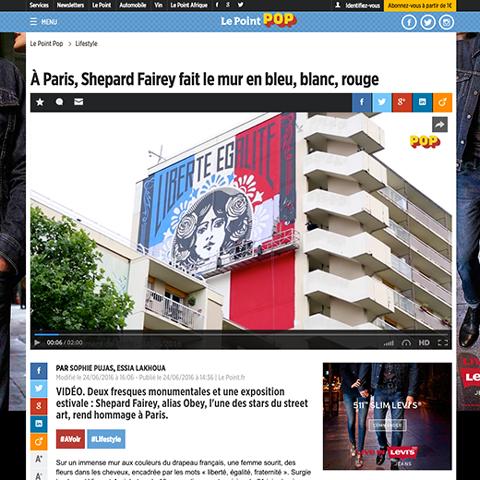 À Paris, Shepard Fairey fait le mur en bleu, blanc, rouge